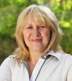 Dr. Mia Andrew